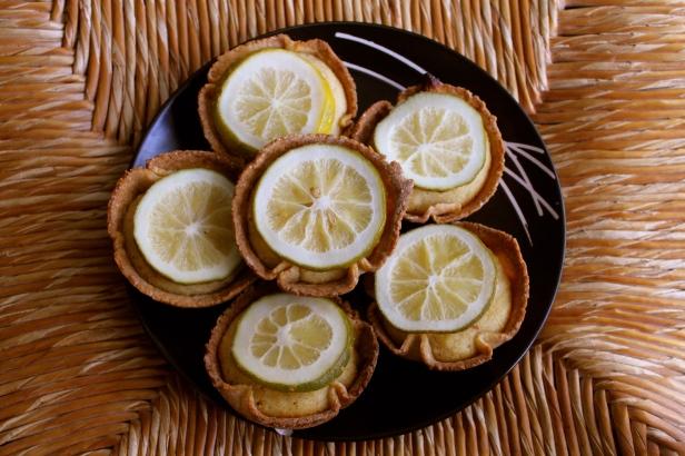 lemon tart (non paleo)